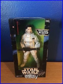 12 Hasbro Star Wars Hoth Leia with Carrie Fisher Autographed with COA