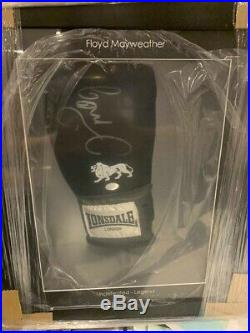 Floyd Mayweather Signed Boxing Glove in Display Case comes with COA