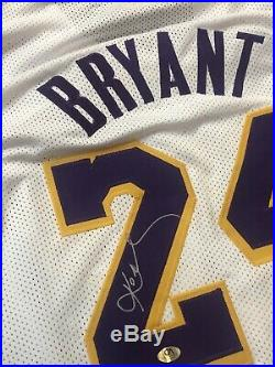 Kobe Bryant Los Angeles Lakers Signed Autographed Jersey with COA