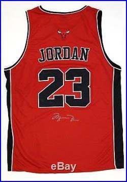 MICHAEL JORDAN Hand Signed Bulls Singlet Jersey with COA Signature Autograph 23