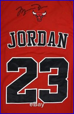 MICHAEL JORDAN Hand Signed Bulls Singlet Jersey with COA Signature Autograph #23