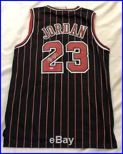 size 40 75dd8 09966 Autographs With Coa | Michael Jordan Chicago Bulls Signed ...